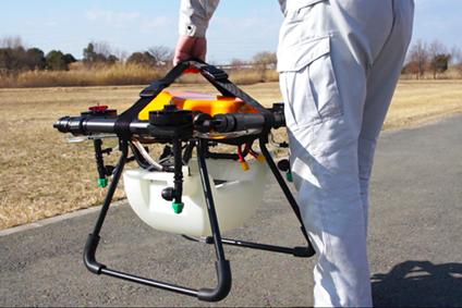 農薬散布ドローンの持ち運びが簡単な機体ベルト