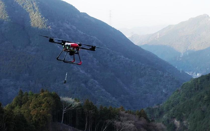MU-S 林業用苗木運搬ドローンの飛行